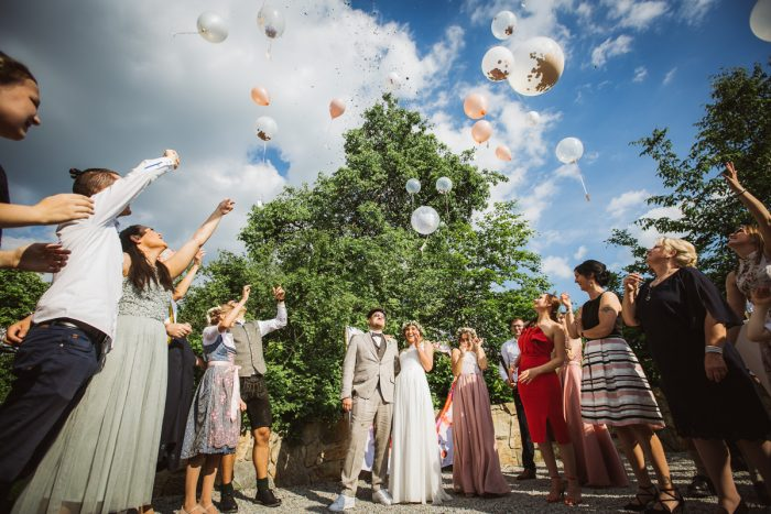 Hochzeitspaar auf Gut Aichet